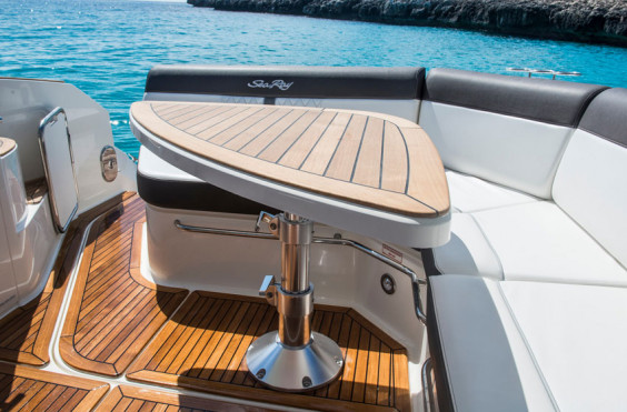 SeaRay 320 Sundancer Innenborder 2xMerCruiser 4.5L